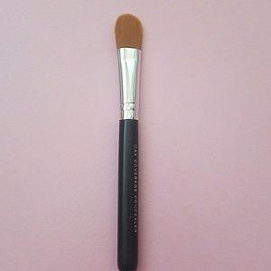 Bareminerals Maximun coverage concealer brush